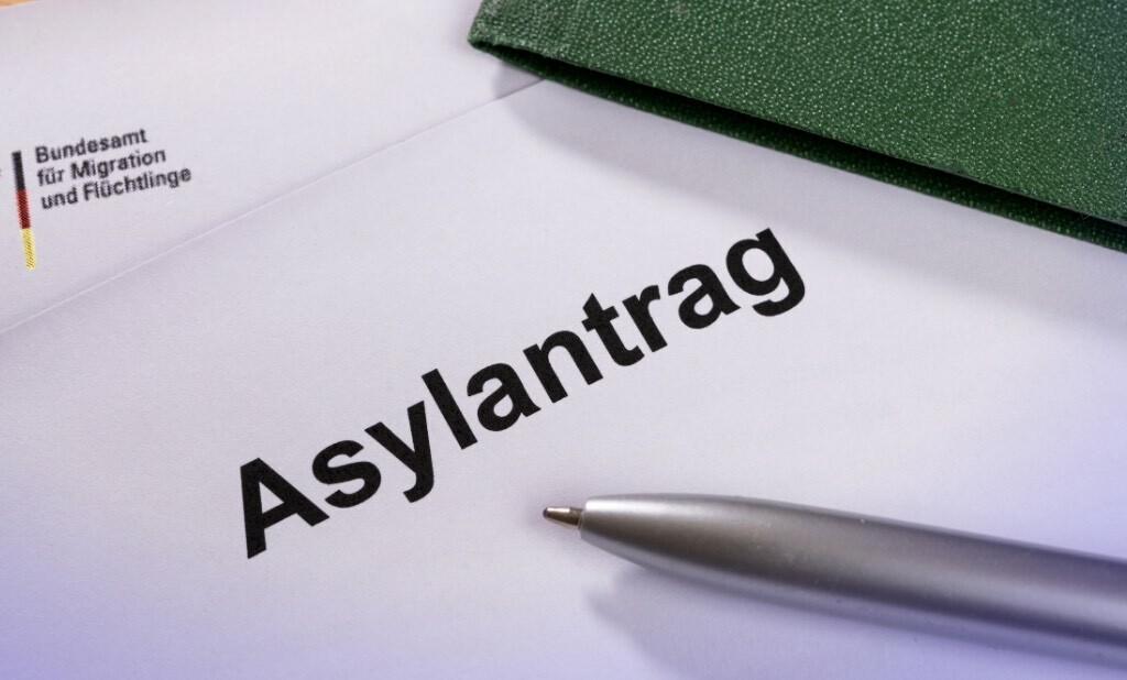What Benefits and Rights Do Asylum Seekers Get in Germany